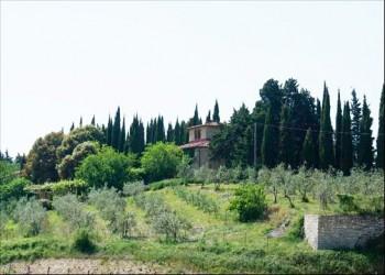 casale-storico-xviii-secolo-chianti1