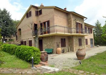 villa-in-residenziale-castelnuovo-berardenga-1